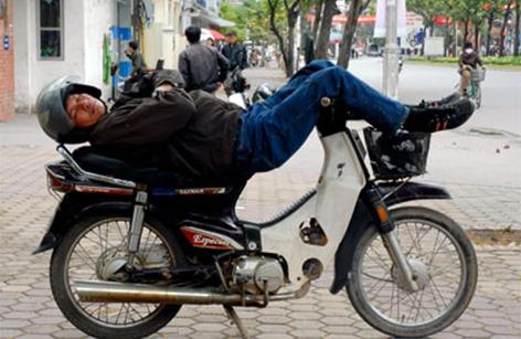 HOW TO GO AROUND WHEN IN VIETNAM ?