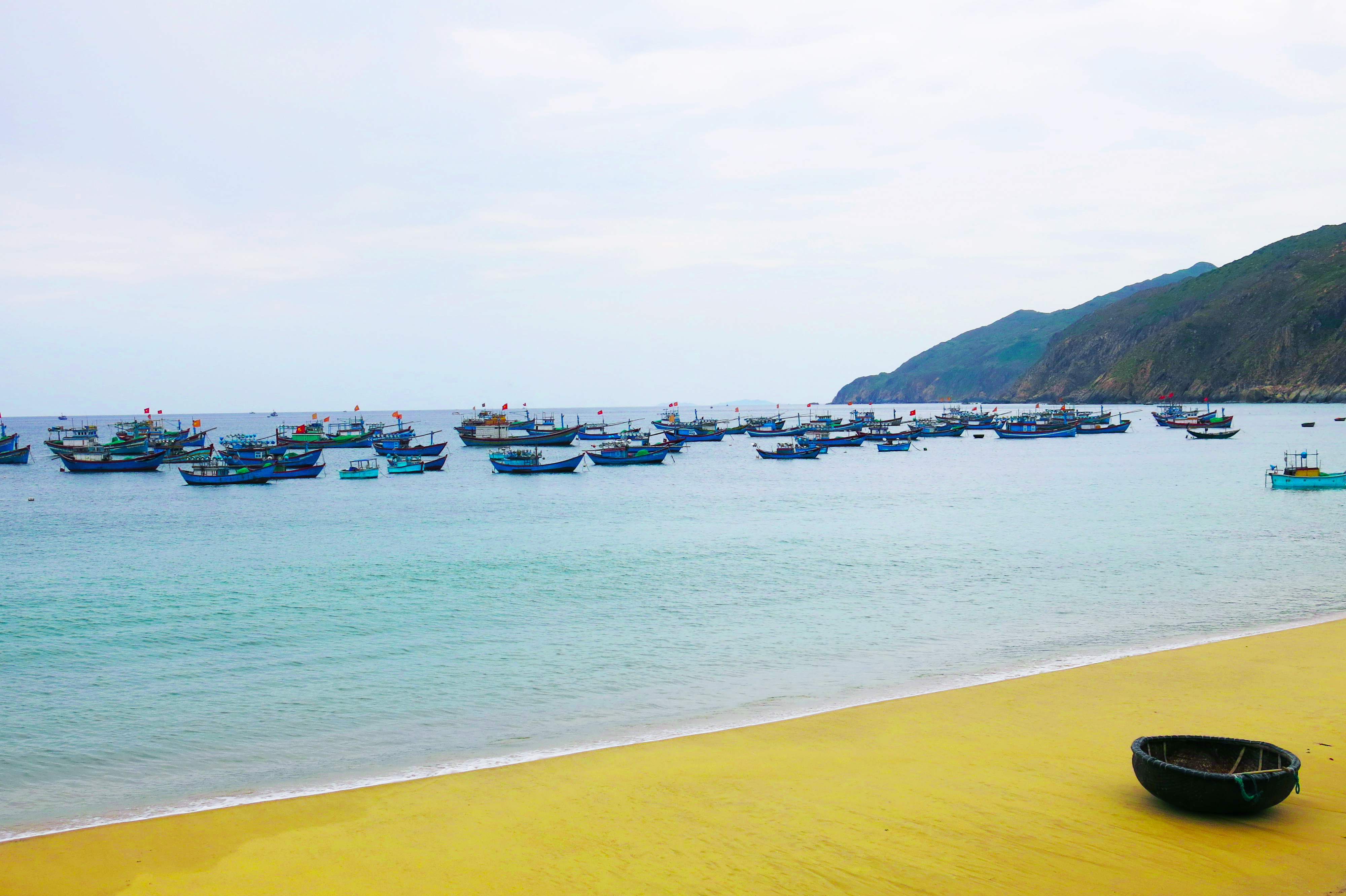 Holidays on the unexplored beaches of Vietnam and Myanmar